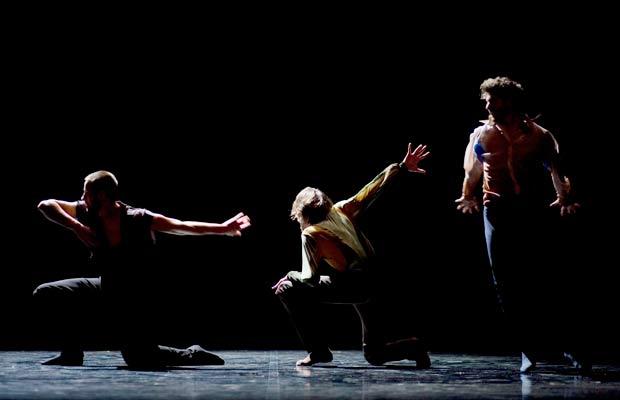 Immanence-(Andonis-Foniadakis)---Alexandre-Van-Hoorde,-Gr+®goire-Daujean-et-Thomas-Hinterberger---photo-Jean-Luc-Ta